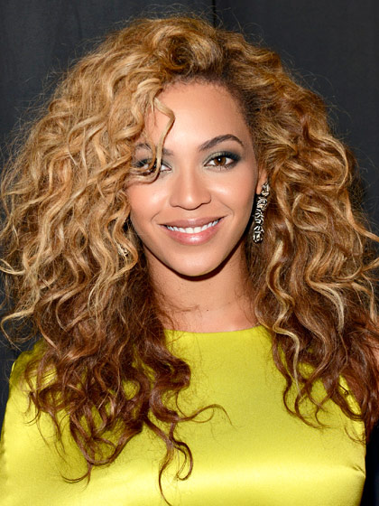 beyonce-curly-haircut